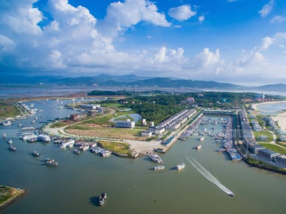 Tuan Chau harbor Halong