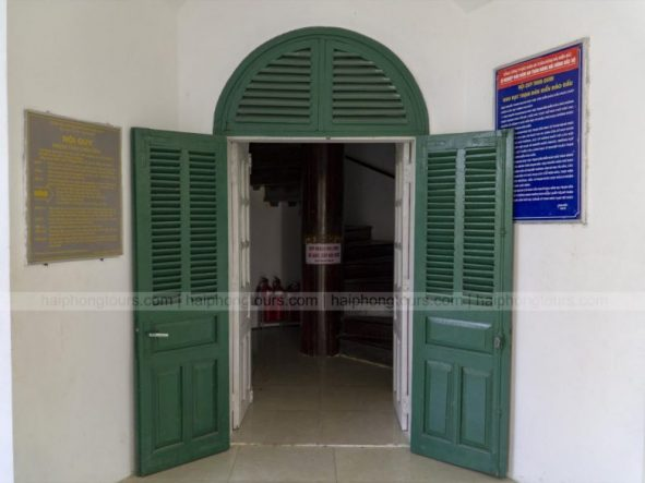 Entrance gate to Hon Dau Lighthouse
