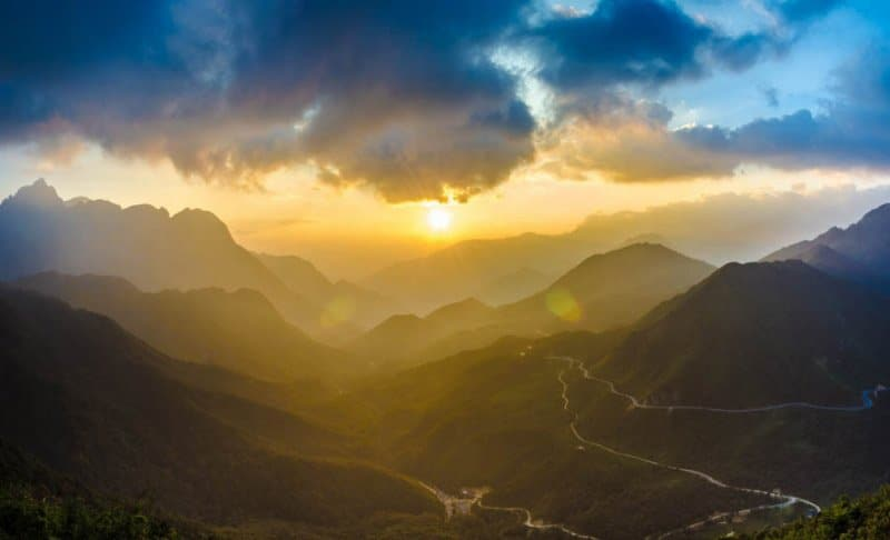See the majestic scenery at the O Quy Ho peak
