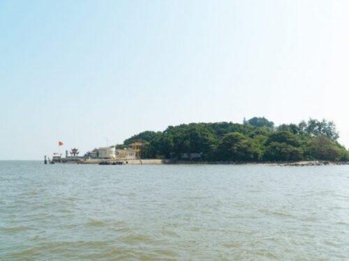 Hai Phong day tour: Explore Hon Dau island