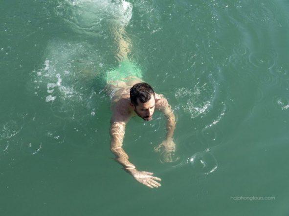 Swim Lan Ha Bay