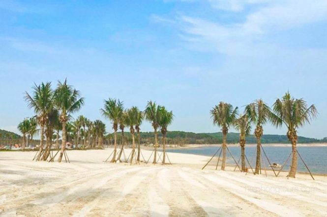 Doi Rong manmade beach Do Son, Hai Phong