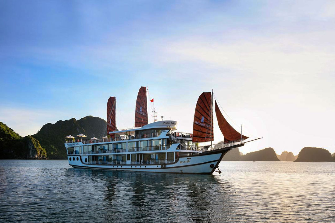Perla Dawn Cruise - Hai Phong Lan Ha bay 3 days