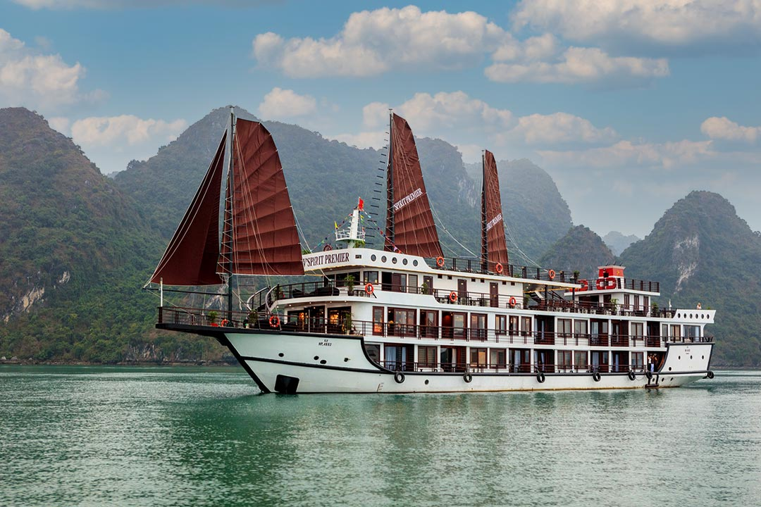 Vspirit Premiere Cruise - Hai Phong Lan Ha bay 3 days