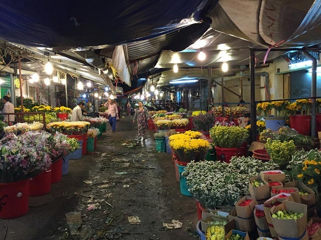 Ho Thi Ky Night Flower Market